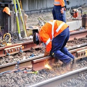 worker-on-rail-road