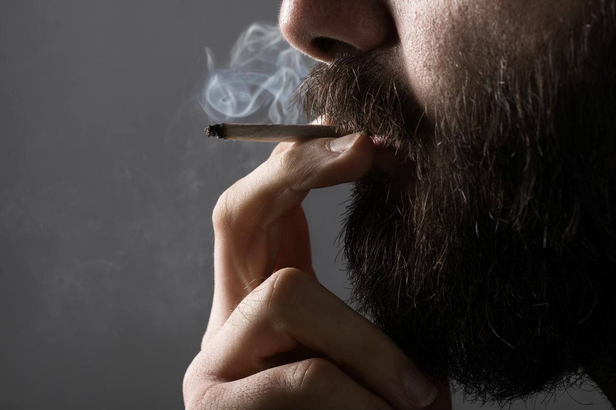 missouri worker smoking Marijuana